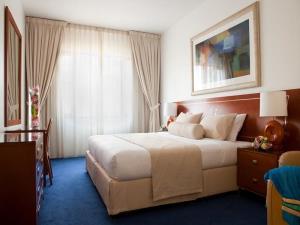 Dubai_Hotels_Golden Sands Hotel Apartments